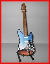 PINK FLOYD GUITARE MINIATURE DELICATE SOUND OF THUNDER ! COLLECTOR DAVID GILMOUR