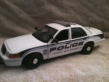 TAMPA  FLORIDA  POLICE UT 1/18 SCALE MOTORMAX DIECAST NON WORKING LIGHTS