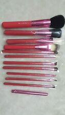 New M.A.C red Brush Set - Limited Edition