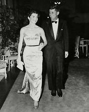 SENATOR JOHN F. KENNEDY WITH WIFE JACQUELINE - 8X10 PHOTO (ZZ-665)