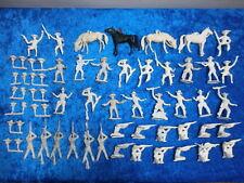 Konvolut 42 Merten Kunststoff Figuren Rohlinge Wildwest Cowboys 4cm