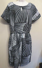 Per Una UK16M EU44M US12M black and white lined short-sleeved dress with belt