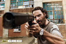 The Walking Dead Poster - Rick Gun NEVER LET YOUR GUARD DOWN Walking Dead Poster