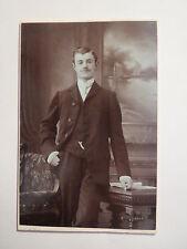 Velbert - Neviges - stehender Mann im Anzug - Portrait / CDV