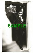 ORIGINAL PRESS PHOTO DENIS HEALEY LABOUR CHANCELLOR SPRING BUDGET 1977