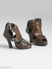 TONNER BROWN BUCKLE-UP BOOTS MIB FITS 22 IN AMERICAN MODEL DOLLS