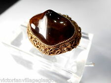 CHINESE EXPORT  SILVER/GILT TIGERS EYE FILIGREE BROOCH CIRCA 1920