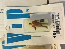 HO 1/87 PREISER  VIPs Man with coat 181 NIP