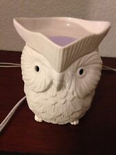 Scentsy Owl Whoot  wax warmer white with Satin Sheets and other Scentsy Bars