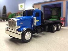1/64 ERTL NEW HOLLAND 367 PETERBILT DELIVERY TRUCK
