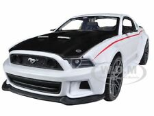 2014 FORD MUSTANG WHITE 1/24 STREET RACER DIECAST MODEL CAR BY MAISTO 31506