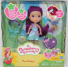 2009 Strawberry Shortcake Plum Pudding Scented Doll Hasbro NEW