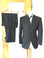 CANALI.....MENS TRENDY SMART GREY PIN STRIPE SUIT MADE IN ITALY.. SIZE 44.R
