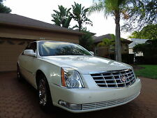 Cadillac: DTS 4dr FL OWNED