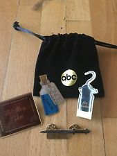 Once Upon a Time ABC 4 Promo Pins & Pouch, BONUS 2013 SDCC EXCLUSIVE