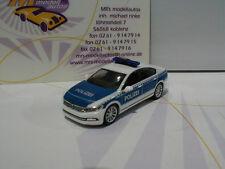 """Herpa 092180 # VW Passat Limousine weiß-blau Erprobungsfahrzeug """"Polizei """" 1:87"""