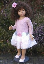 Milieu Cassi brunette de Monika Levenig pour masterpiece dolls ~ magnifiques!!!