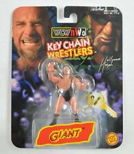 TOY BIZ 1998 GIANT KEY CHAIN WRESTLERS