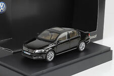 VW Passat  B7 2010 black schwarz metallic 1:43 Schuco Dealer