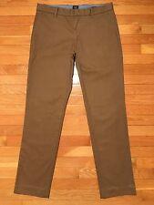 Gap Tailored Khaki Pants, Men's 32 x 32, Slim Fit, Flat, EUC, E7BQ05