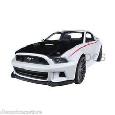 Maisto  2014 Ford Mustang Street Racer White 1/24 Diecast Car Model 31506WH