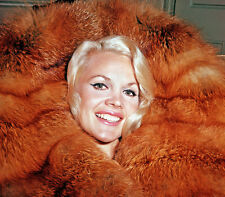 Carroll Baker UNSIGNED photo - C532 - GORGEOUS!!!!!