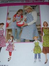SIMPLICITY #3949 - SUPER CUTE MOTHER & DAUGHTER FULL BIB APRON PATTERN  SM-LG uc