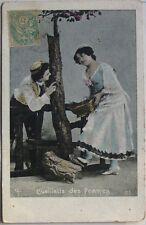 JEUNE COUPLE CUEILLETTE DES POMMES    CARTE POSTALE ANCIENNE