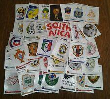 Calciatori Panini South Africa 2010 giro completo di 40 scudetti!!!!