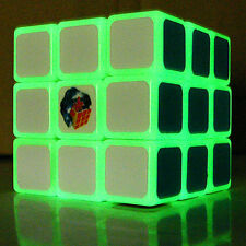 Ghost Hand 3X3 Luminous Speed 3x3x3 Green Glow in Dark Noctilucent Magic Cube
