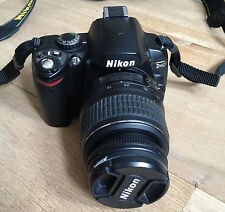 Nikon D D40 6.1 MP Fotocamera Reflex Digitale-Nero (Kit W / 18-55mm Lens + UV FILTRO)