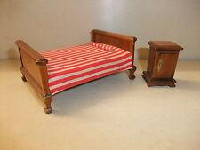 Puppenstube Kaufmannsladen Möbel Schlafzimmermöbel rustikal Bett Nachtschrank