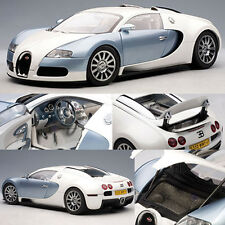 1:18 AUTOart 70908 - Bugatti EB 16.4 Veyron Production Car ( Pearl / Blue )