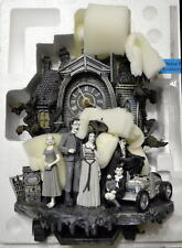 THE MUNSTERS ILLUMINATED MUSICAL WALL CLOCK MIB w COA Brand New
