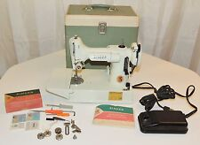 SINGER 221-K FEATHERWEIGHT MINT SEWING MACHINE 221K 221 K *FRESH BELT & PULLEY!