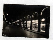 DIJON (21) COMMERCE de CHAUSSURES , Rue de la LIBERTE en nocturne