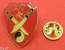 Cruce Cruzado Ninja Swords & Yin Yang Solapa tie Gorra Pin Insignia Tao Broche