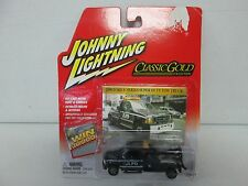 Johnny Lightning Classic Gold Collection 2000 Ford F-Series Super Duty Tow Truck