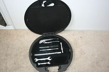 MERCEDES BENZ W140 S320 S420 S500 S600 94-99 TRUNK TOOL KIT(nice
