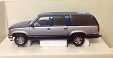 1/24 Scale 1994 Chevy Suburban - GMC  Diecast Bank- by Brookfield Collectors Gui