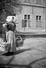 Middelburg-zeeland-1934-Walcherische Boerin-Cute Girl-Tracht-2