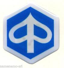 Adesivo resinato 3D lenticolare logo PIAGGIO 37 x 34