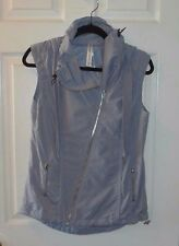 WOMEN'S LORNA JANE ACTIVE GRAY VEST WITH HOOD SILVER HARDWARE SIZE M SUPER CUTE!