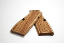 Browning Hi Power 9 mm / 40 s&w Light Walnut Wood Checkered Grips Set - NEW