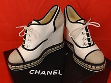NIB CHANEL BEIGE CANVAS SUEDE PEARLS CC LOGO ESPADRILLE WEDGE SNEAKERS 41.5 $975