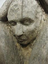 Schöne und Meisterhaft gearbeitete große Holzskulptur eines Mannes um 1920