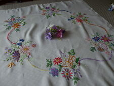 VINTAGE HAND EMBROIDERED LINEN TABLECLOTH=BEAUTIFUL ASSORTED BOUQUETS