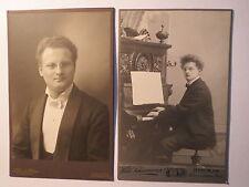 Berlin - Mann mit Zwicker am Klavier mit Noten - Komponist ? Musiker ? / 2 KAB