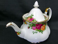 OLD COUNTRY ROSES SMALL TEAPOT, 3-4 CUPS, 1973-93, MADE IN ENGLAND, ROYAL ALBERT