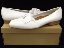 New NATURALIZER Womens White Leather Loafer Dress Low Heel Slip On Shoe Sz 11 M